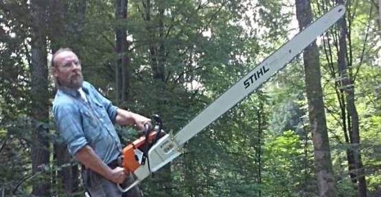 Das kann nur Blockwerkk: Zuschnitt eines gigantischen Holzbretts